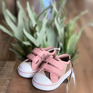 Burberry Sneaker, baby